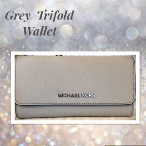 Michael KORS Wallet Trifold in Cement Hard to Find